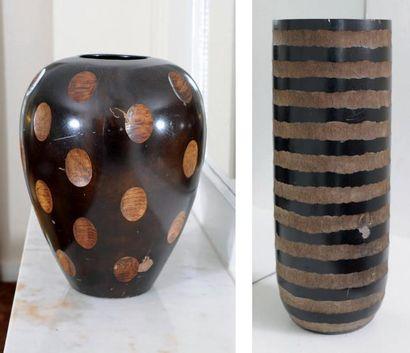 Paire de vases en bois de palmier H_38,5...
