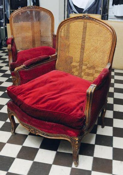 Paire de bergères de style Louis XV, en bois...