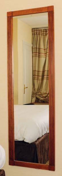 Un miroir rectangulaire à cannelures H_160...