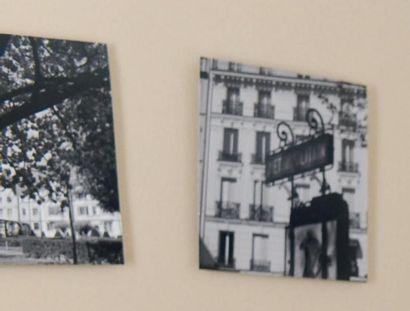 Ensemble de trois photographies représentant...