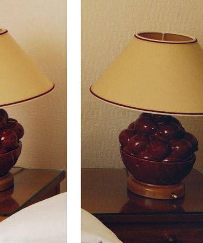 Paire de lampes de chevet en faïence en forme...