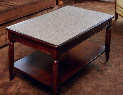 Table basse rectangulaire en bois sombre...