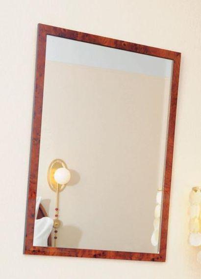 Miroir encadré d'une baguette bois teintée...