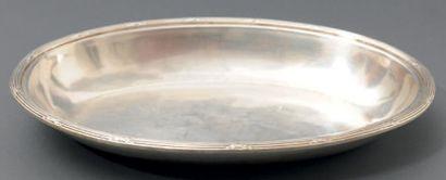 Suite de trois plats creux ovales en métal...