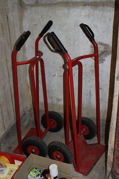 Deux diables en métal laqué rouge FIMM