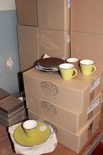 Lot de 120 soucoupes à thé ,
