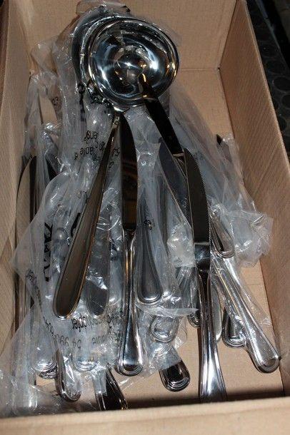 Lot d'environ 45 couteaux en métal WMF, et...