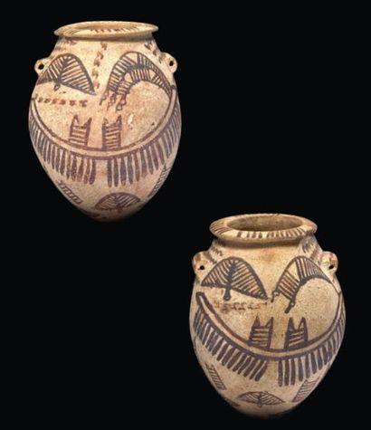 VASE AUX BATEAUX. Vase à panse piriforme munie de deux anses horizontales, peint...