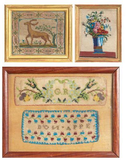 LOT DE TROIS BRODERIES de perles encadrées XIXe siècle dont un cerf, un vase fleuri...