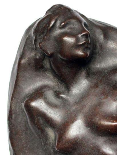 Aimé Jules DALOU (1838-1902) Nu assis sur un rocher Bas relief en bronze à patine...