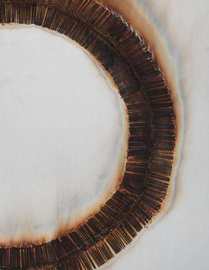 Bernard AUBERTIN (né en 1934) Dessin de feu circulaire, 1974 Allumettes brulée sur...