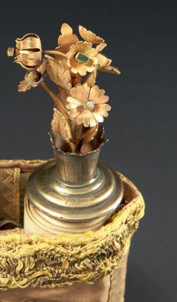 ROULEAU DE SEFER TORAH Vers 1900 Couronné de fleurs en OR 14 ctéserties de diamants...