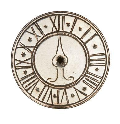 TOUR D'ÉPICES EN ARGENT à décor d'horloge et d'une porte. Nuremberg, 1773-1776 Maître...