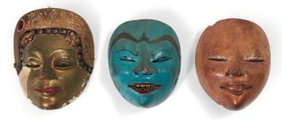 LOT composé de trois masques de théâtre en...