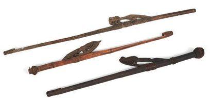 LOT composé de trois propulseurs de lance...