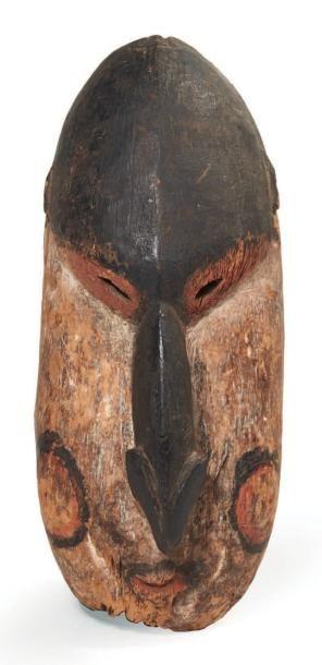 ANCIEN MASQUE cérémoniel en bois sculpté...