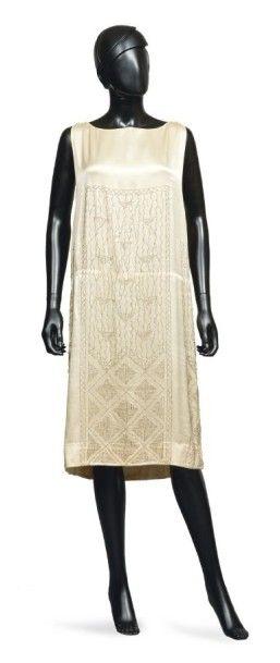 JEAN PATOU, automne-hiver 1922/23 Princesse Lointaine ROBE DU SOIR en satin de soie...