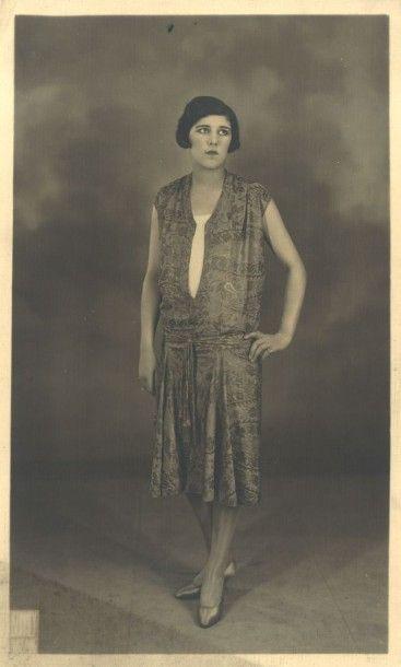 JEAN PATOU, automne-hiver 1926/27 Florentin ROBE en broché de soie figurant un décor...