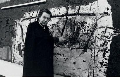 ANTONI TAPIES (1923 - 2012) Mocador Negre, 2008 Technique mixte et collage sur bois...
