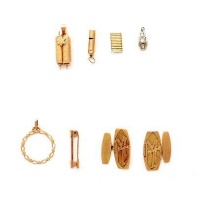 6149/22 Lot de bijoux et bris d'or 18K. Poids...