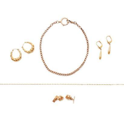 6149/10 Lot de bijoux et bris d'or 18K. Poids:...