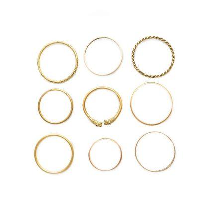 6149/4 Lot de 9 bracelets en or 18K. Poids:...