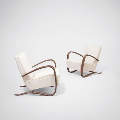 JINDRICH HALABALA (1903-1978) Paire de fauteuils modèle «H-269» Hêtre teinté et tissu...