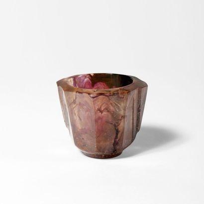 FRANÇOIS-ÉMILE DECORCHEMONT (1880-1971) Vase Pâte de verre Signé Vers 1920 H_8 c...