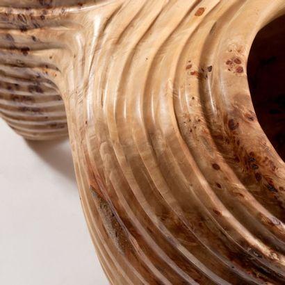 CARLOS ARMINO (NÉ EN 1954) Pièce unique Vase «Enlacés» à double foyer Racines de...