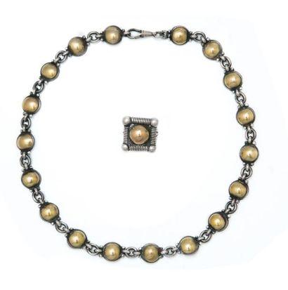 Suite de deux bijoux en argent comprenant:...