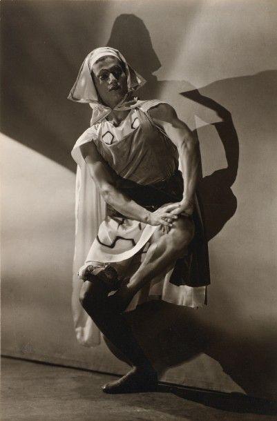 GEORGE HOYNINGEN-HUENE Serge Lifar dans «le Fils Prodigue». 1929 Tirage de l'époque...