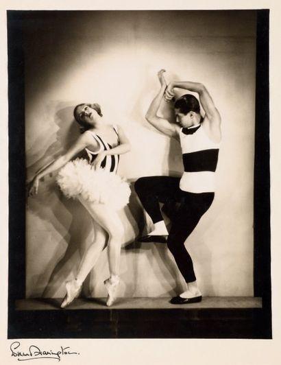 EDMUND HARRINGTON Serge Lifar et Alice Nikitina dans «La Nuit». 1930 Tirage de l'époque...