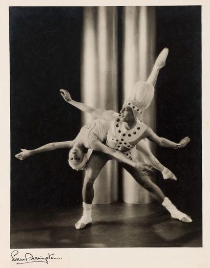 EDMUND HARRINGTON Serge Lifar et Alice Nikitina dans «Pas de Deux». Londres 1930....