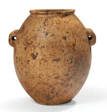 VASE TONNELET. Vase à panse ovoïde surmontée...