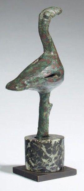 FIGURINE DE VOLATILE. Figurine représentant...