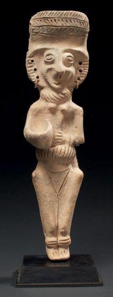 STATUETTE CHYPRIOTE. Grande statuette représentant...