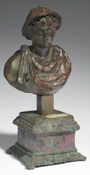BUSTE DE MERCURE. Buste représentant le dieu...