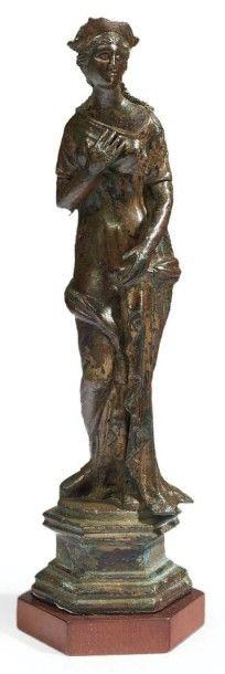 STATUETTE DE VÉNUS. Grande statuette représentant...