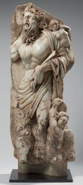 DIEU-FLEUVE. Haut-relief sculpté d'un dieu-fleuve...