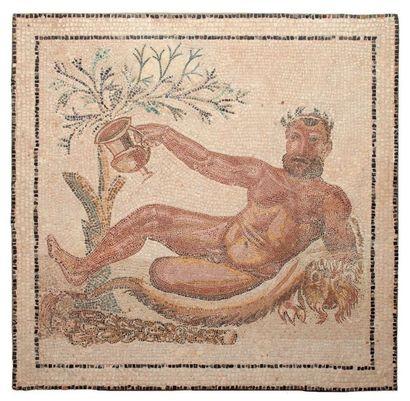 HERCULE ALLONGÉ. Mosaïque représentant Hercule...
