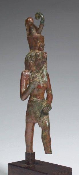 STATUETTE D'HORUS. Statuette votive représentant...