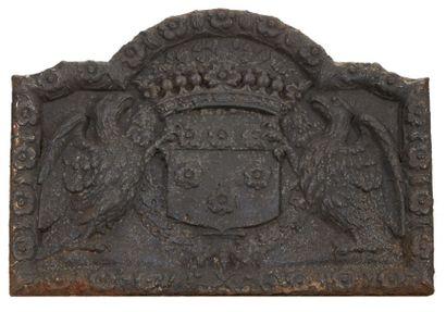 PLAQUE DE CHEMINÉE en fonte de fer à décor...