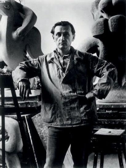 Jacques LIPCHITZ (1891-1973) Arlequin à la clarinette, 1920 Terre cuite patinée....