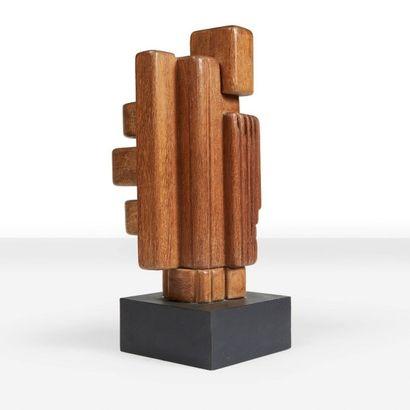 MARTA COLVIN (1917-1995) Sans titre, circa 1960 Pièce unique. Scultpure en bois....
