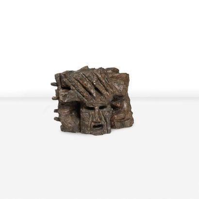 ETIENNE MARTIN (1913-1995) Demeure X, 1965 Epreuve en bronze. Signée, datée et numérotée....