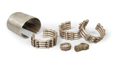 LOT composé d'un bracelet en argent Oromo,...