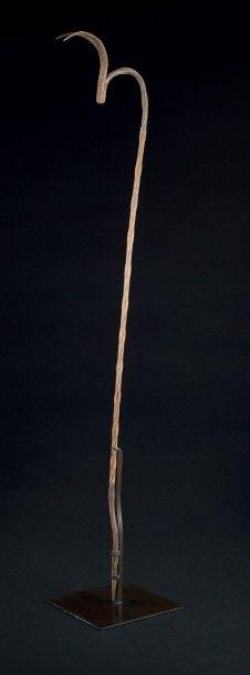 FER D'AUTEL, objet de culte néanmoins forgé à partir d'un fer à béton, probablement...