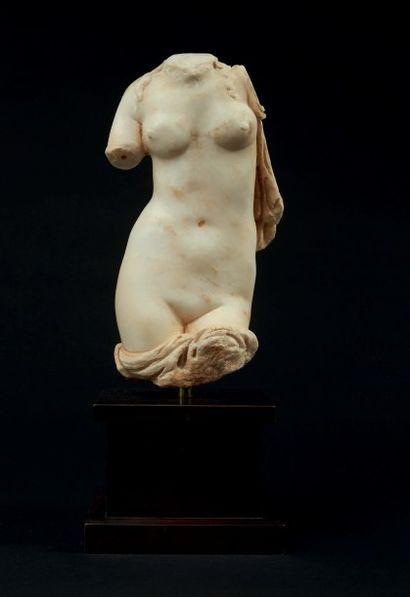 TORSE DE VÉNUS. Statue acéphale représentant...