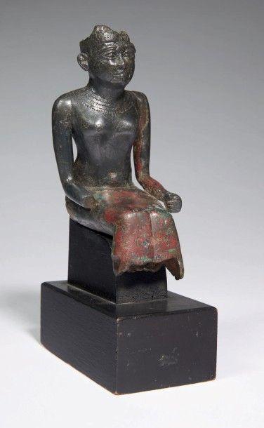 STATUETTE DE DÉESSE. Statuette votive représentant...