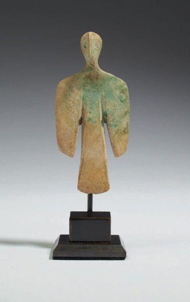 IDOLE HOMME-OISEAU. Elle représente une figure...